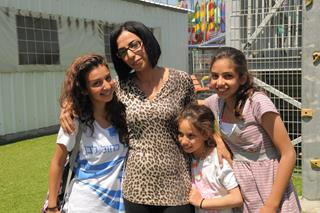 Lag BaOmer outing for widows and orphans, Luna Park - Central Israel