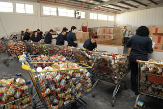 Packing of Salei Mazon at the Slager Logistic Center, home of the Blavatnik Food Bank, Beer Tuvia